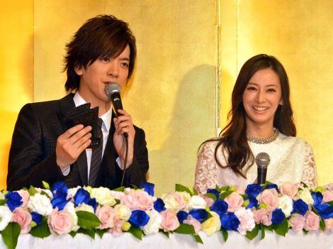 幸せいっぱい!DAIGO&北川景子夫妻が結婚会見