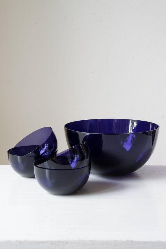 Retro Purple Glass Salad Bowl/ Unique Large Dessert Bowl And Serving Bowls/  Quirky Retro Kitchen Decor/vintage Home Kitchenalia/wedding Gift