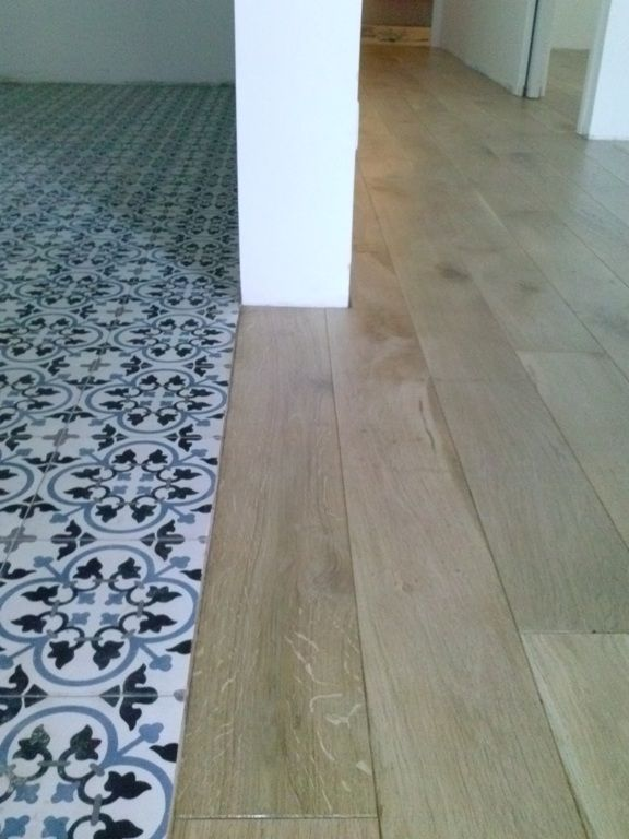 Charme parquet stock de carreaux de ciment carreaux de ciment pinterest - Melange carrelage et parquet ...
