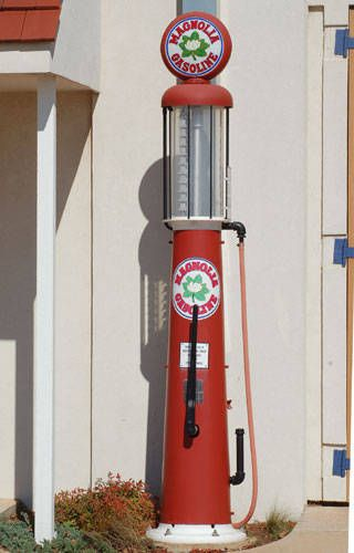 Are you an aficionado of old gas pumps and other service station memorabilia...?