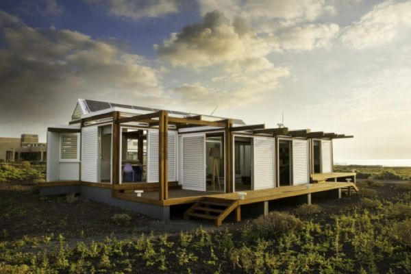 CO2 Neutral Solar Powered Shield House in Spain | Tiny House Pins