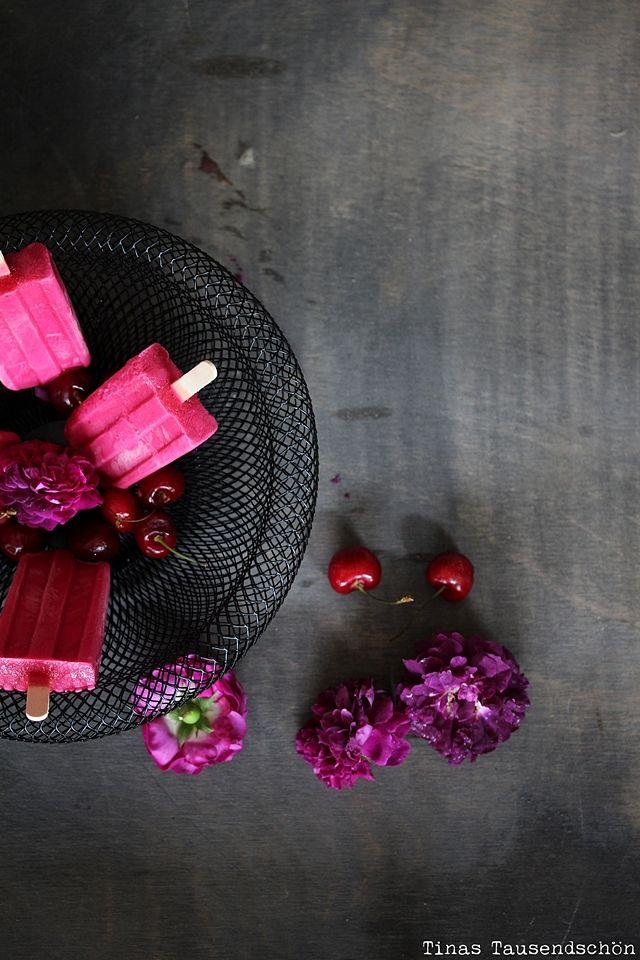 Cherry Frozen Yogurt Popsicles!