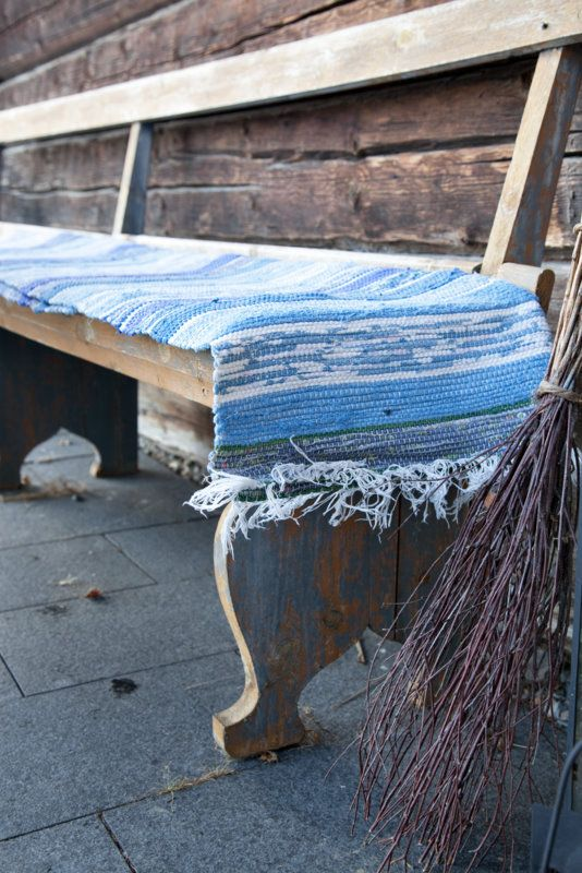 Beautiful old bench, love the worn paint, via Livs Lyst