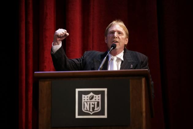 "Oakland Raiders Relocation: Latest News, Rumors, Raiders owner Mark Davis pledged during a meeting with Nevada tourism officials that the franchise would contribute $500 million to a stadium project if it's approved, per Support LV Dome on Twitter.  ""Together we can turn the Silver State into the Silver-and-Black State,"" Davis said.Comments on Franchise's Future"