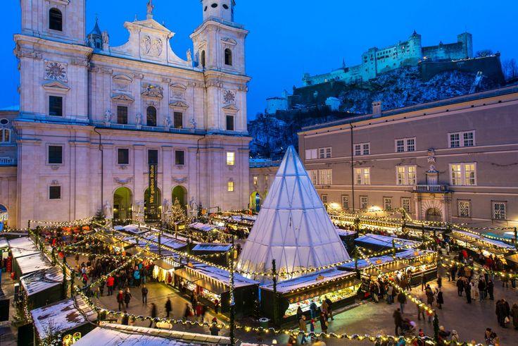 Genießen Sie den weihnachtlichen Zauber Salzburgs mit Weihnachtsmärkten, Adventsingen und Brauchtum, die Ihren Besuch zu einem Erlebnis machen