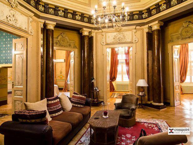 Casa / Vila cu 14 camere in zona Universitate - monument istoric