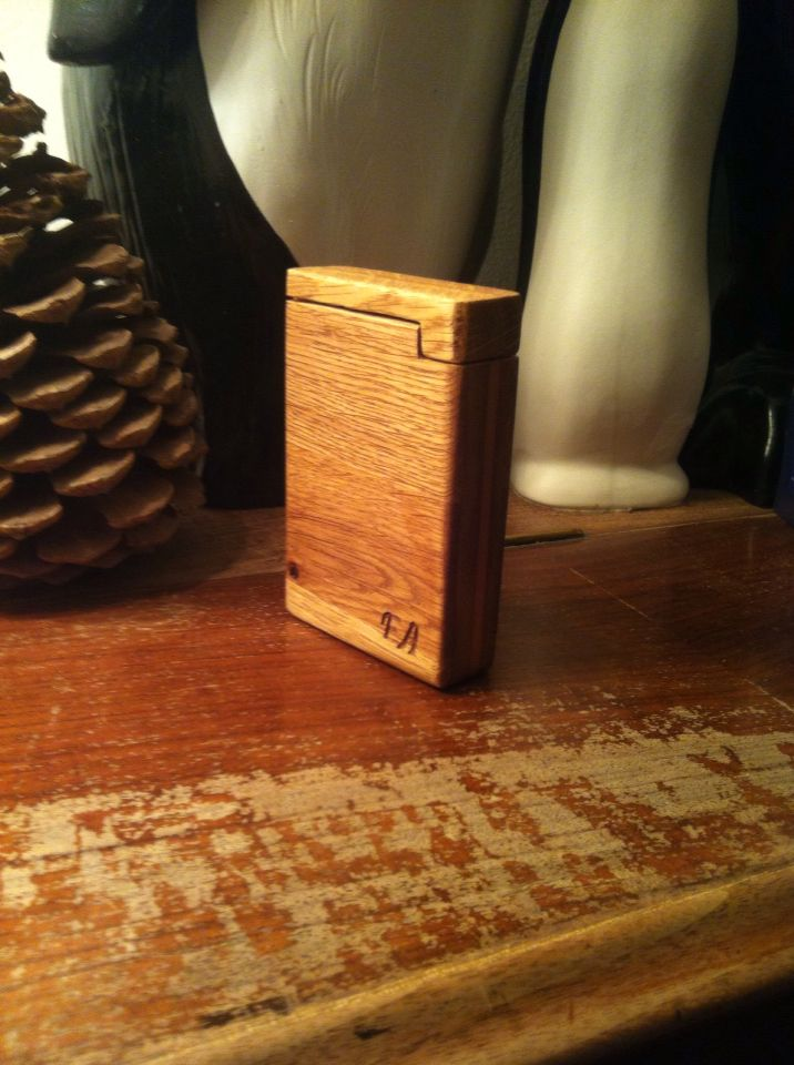 Made this cigarette case for my grand mother - made from oak and possibly teak
