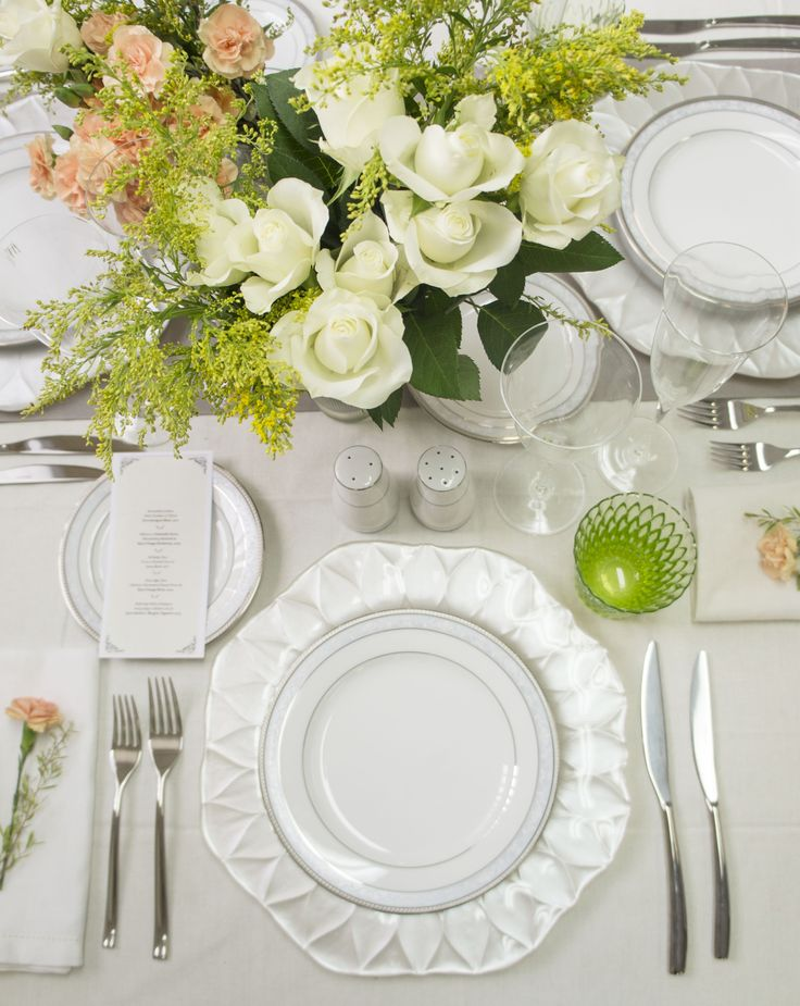 Perfect bridal table setting. Noritake Hampshire Platinum dinner set, IVV Loto charger plates and acid green tumblers. Cutlery is also from Noritake.