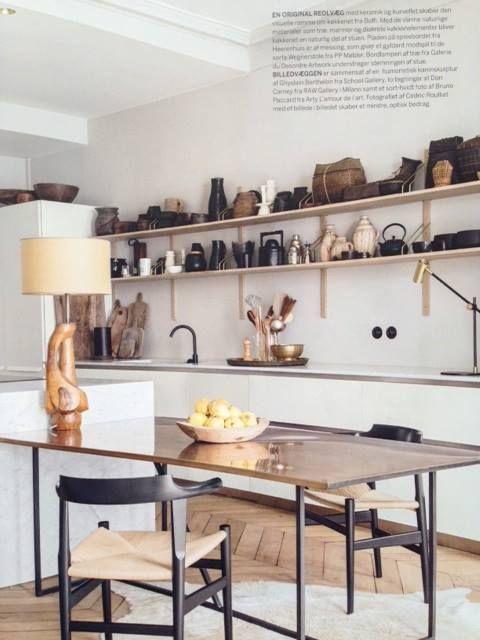 dk3_design_furnitureROYAL SYSTEM - the original by Poul Cadovius seen in the Danish interior magazine Bo Bedre @bobedredk. #royalsystem #dk3 #poulcadovius www.dk3.dk