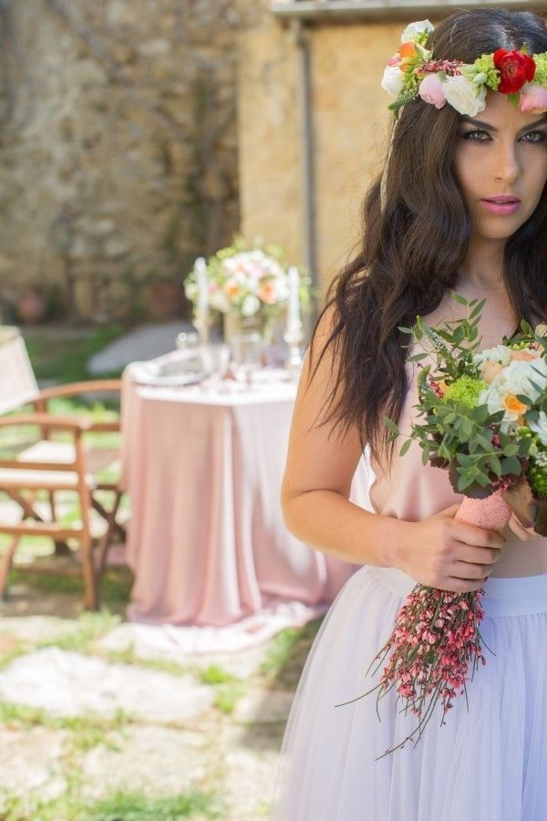 I' m very excited about this spring wedding inspiration shoot that I share with you today! All these romantic details, the soft color palette and the beautiful garden were all we needed for this absolute spring beauty, captured perfectly from Alfa Omega. The garden of Kalimera Archanes Village, in Crete was the ideal location for …