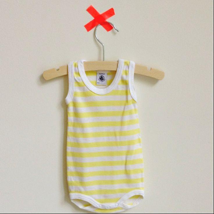 Romper Petit Bateau €6,00 /Opening soon: Looking for Charlie. Webshop met tweedehands kleding voor hippe babies #petitbateau #tweedehands #babykleding #baby #webshop #looking4charlie   www.lookingforcharlie.nl