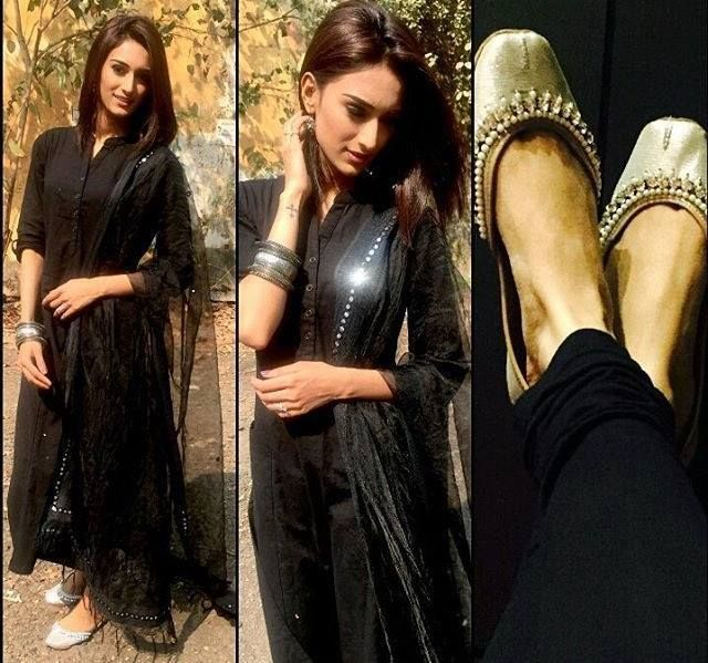 ❤️Glamour Meets Tradition❤️  The beautiful @iam_ejf gave a sneak peak to her Punjabijuttistore Juttis ✨Muse✨that she was styled with. 💕Get your style from www.punjabijuttistore.com and order now. GoEthnic💫💫💫   #Punjabijuttistore #punjbaijutti #mojari #EricaJenniferFernandes #kuchrangpyarkeasiebhi #krpkab #jutti #khussa #jootis #indianbride #worldwide #love #colorful #makeinindia #bridalshoes #muse #shoopingtime #bebeautiful #lookalive #lookbright #goethnic💫💫💫