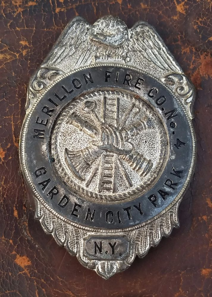 MERILLON FIRE Co No 4  GARDEN CITY PARK NY BADGE! VINTAGE OBSOLETE-FREE USA SHIP