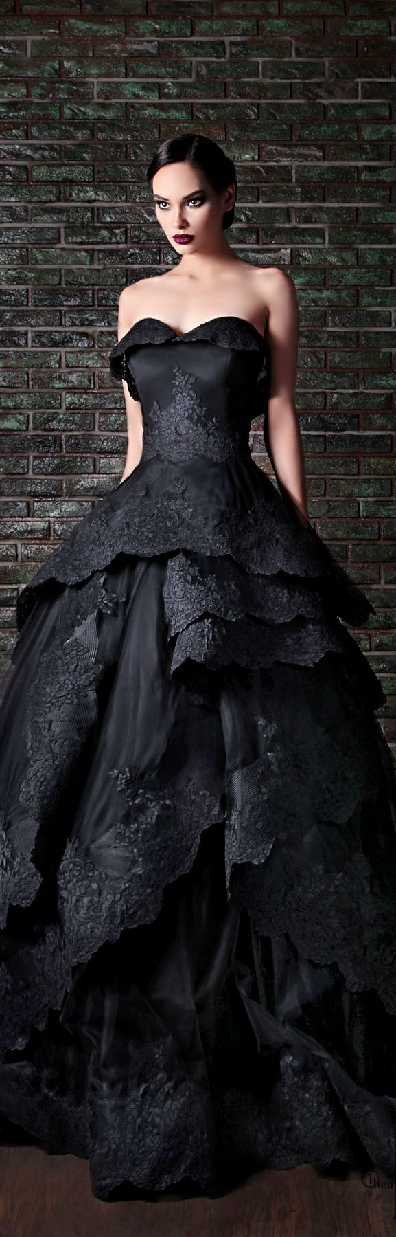 rami kadi couture 2014 - If i ever got to wear this dress i'd die because life could never be better.