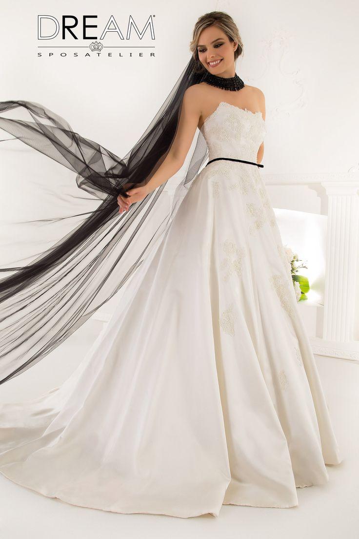 """DREAM SPOSA ATELIER Abito da sposa in rao di seta """"Mod. QUEEN"""" Bridal dress in silk satin """"Mod. QUEEN"""" #dreamsposa #dreamsposaatelier #abitidasposaroma #abitidasposa #bridaldresses #wedding #bridaldesign #hautecouture #fashion #moda #altamoda #abitidasposaesclusivi #modasposa #nonsolomoda #catwalk #paris #london #milano #newyork #vestitidasposa #vestitidasposaroma"""