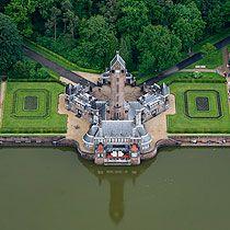 Het Jachthuis Sint Hubertus in Het Nationale Park De Hoge Veluwe dateert van 1920. Restauratie moet er voor zorgen dat dit monument ongeschonden wordt doorgegeven aan volgende generaties.