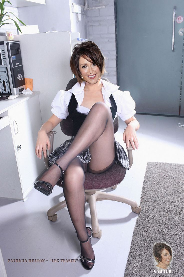 Patricia heaton pictures in a skirt pantyhose
