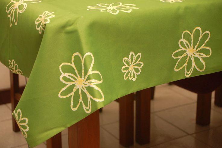wikiHow to Choose a Tablecloth Size -- via wikiHow.com