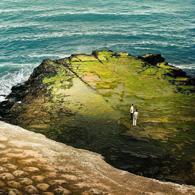 +/ Ocean Cliff