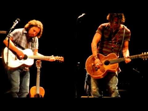Eddie Vedder & Johnny Depp. What?