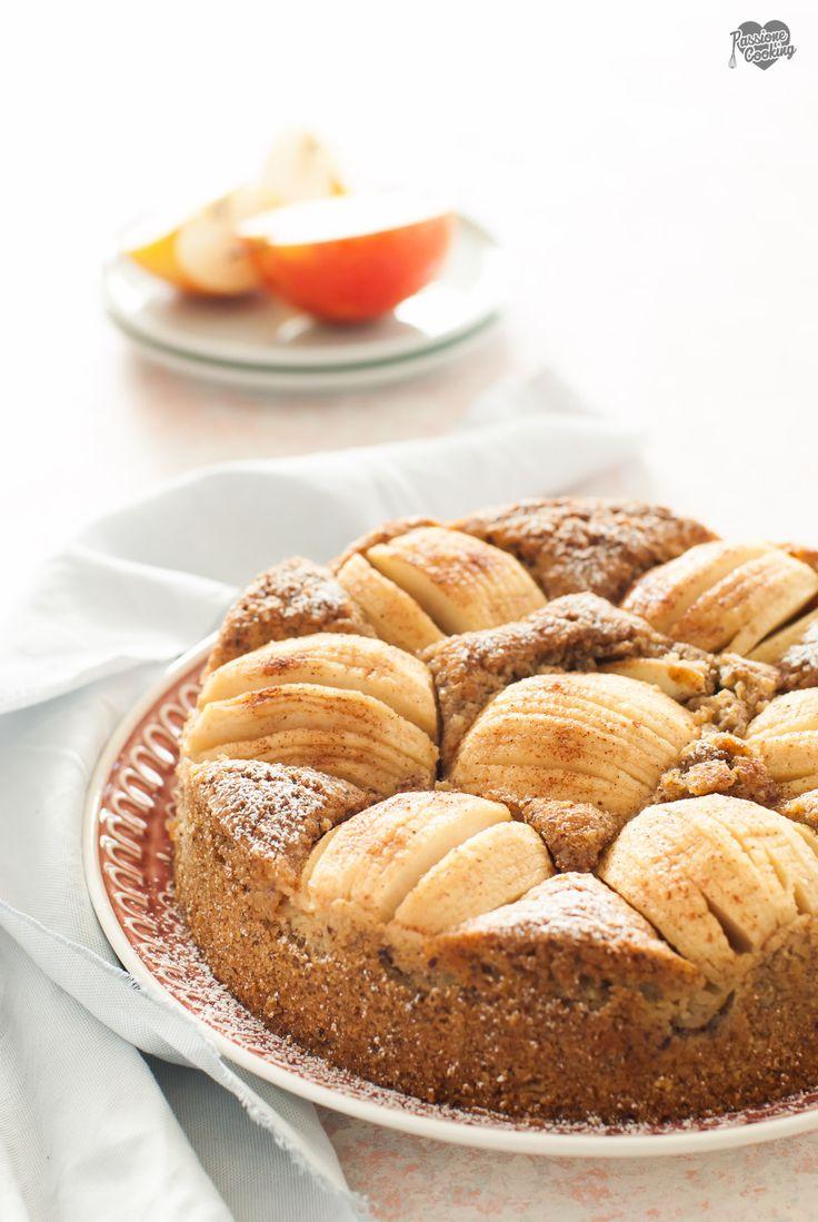 Torta di mele e nocciole con farina integrale