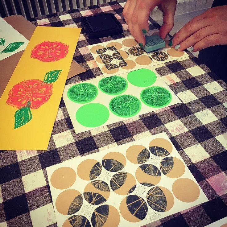 Thank you @fridakax och Henrik for a fun stamp carving workshop. #stampcarving #workshop #stämpla #kurs #nonstopdesign