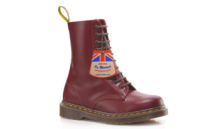 Dr Martens Oxblood Vintage 1490 - $210.001490 Boots, Martens Vintage, Doc Martens, Dear Santa, 1490 Oxblood, Boots Oxblood, Martens Boots, Dr. Martens, Originals Factories