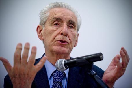 Morto Stefano Rodotà. Il giurista, politico, accademico, Garante della Privacy - ATTORI ATTRICI MUSICISTI PERSONAGGI CELEBRI MORTI- DEAD