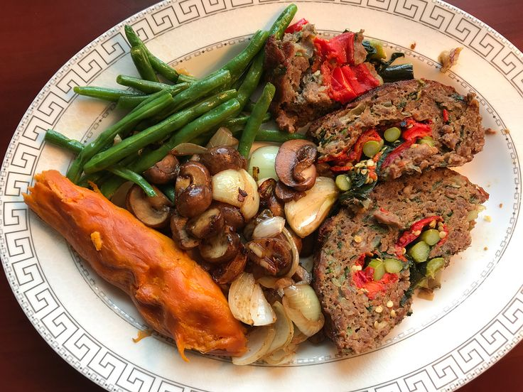 Homemade Vegetable Stuffed Meatloaf, Roasted Sweet Potato and Green Beans, Grilled Mushrooms and Onions, Feta Cheese Garden Salad ☀️💪🕺💃 Watch the video on Stories and YouTube 📺  #meatloaf #vegetables #homecooking #sweet #greens #toronto #garlic #mushrooms #pepper #salad #beef #stuffed #spinach #asparagus #motivation