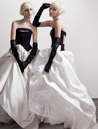 かっこいい!ヴェラウォンの花嫁衣装♡カラードレスのまとめ一覧♡