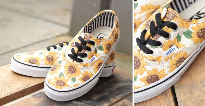 A little sunshine to any old day, how adorable are these sunflower @vans