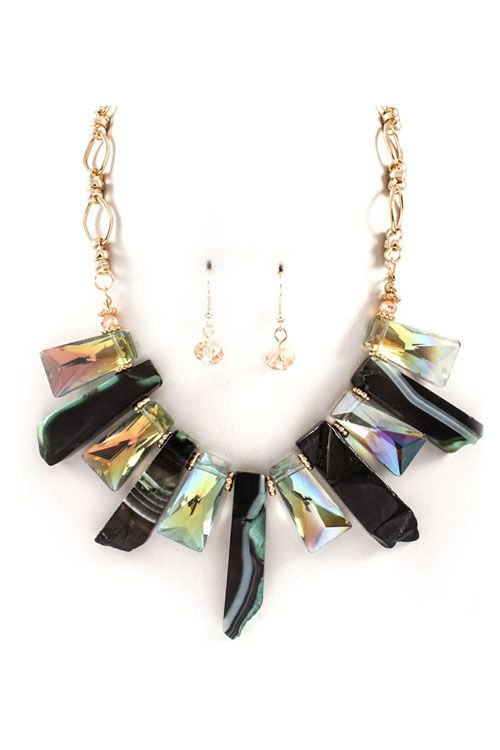 Milla Necklace in Onyx and Crystal