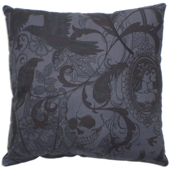 Victorien gothique décoratif Throw Pillow Steampunk par AllegraB