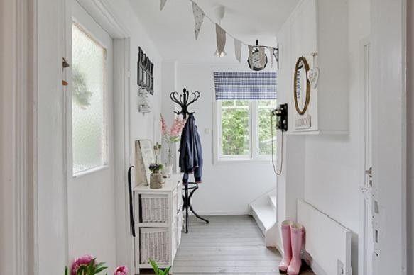 Ingresso di casa luminoso