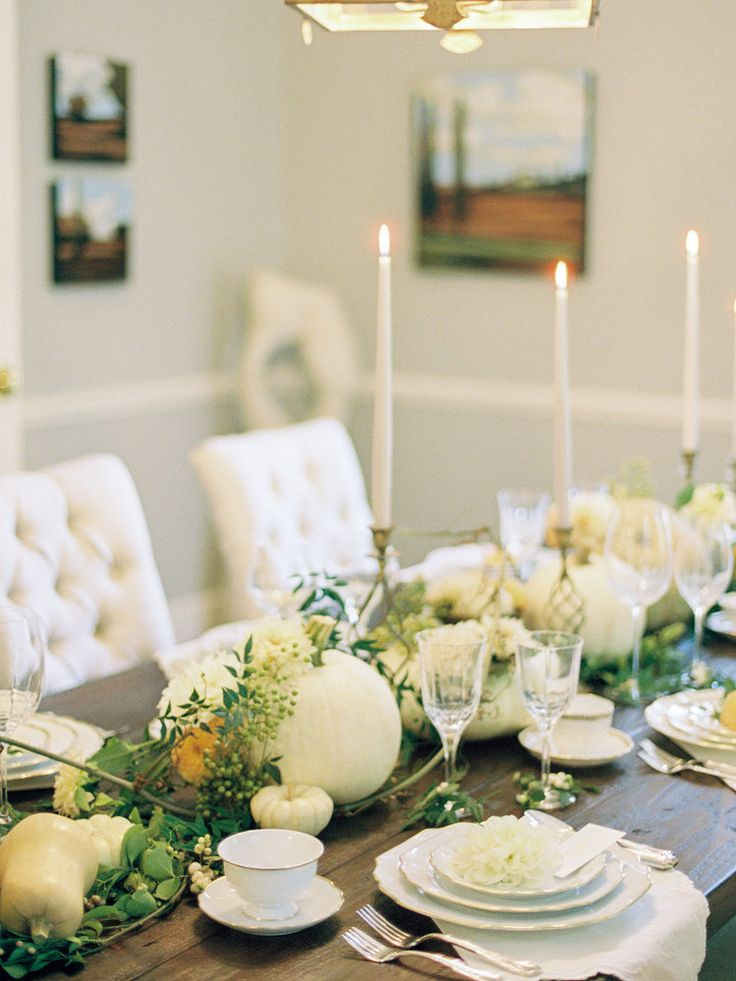 Beautiful fall table inspiration from @cottagehillmag, featuring our delicate whitewash heirloom napkins.