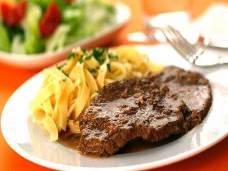 Wiener Saftfleisch Ein einfaches Wiener Gericht, dessen guter Geschmack sich nicht anhand eines Blickes auf die Zutatenliste erahnen lässt. Das Saftfleisch meiner Wiener …