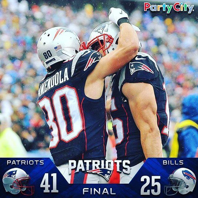 Oh...Yeah, Patriots Win! 7️⃣•1️⃣ @patriots #TB12 #Brady #12 #Patriots #GoPats #PatsNation #IAmBack #BradysBack #Powerful #Unmatched #Unstoppable #BeatBills #GOAT #Master #LetsGo #DoYourJob #ChampsAgain #WeekSix #Season2016 #IAmBrady #GameDay #PatriotsVsBills @gronk #RG87 #Gronk #87 #GronkSpike #IAmGronk