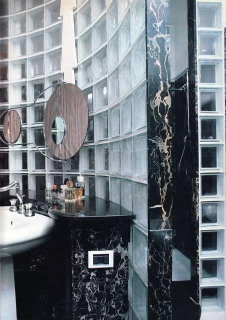 Bagno in marmo e vetro mattone - 04