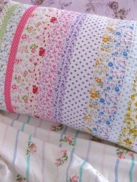 This pillowcase is a great idea for vintage fabrics and leftover fabric scraps. Petitevanou