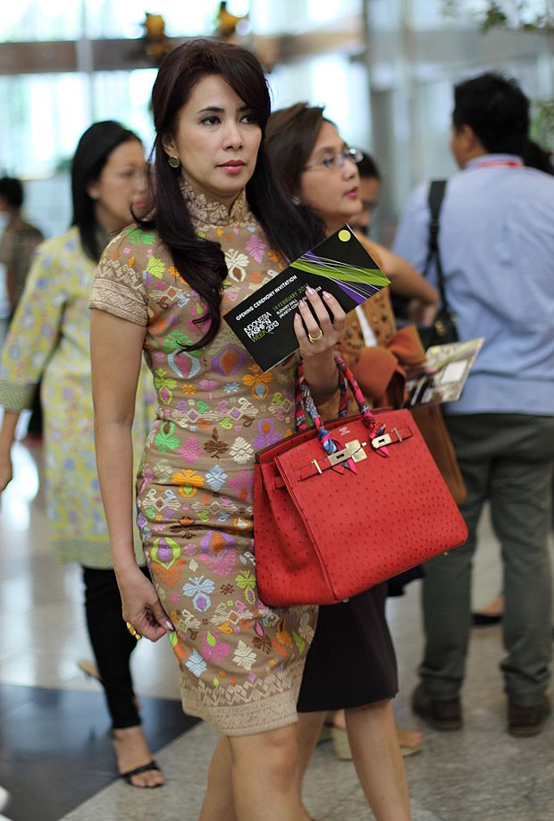Songket cheongsam ..LOVE!