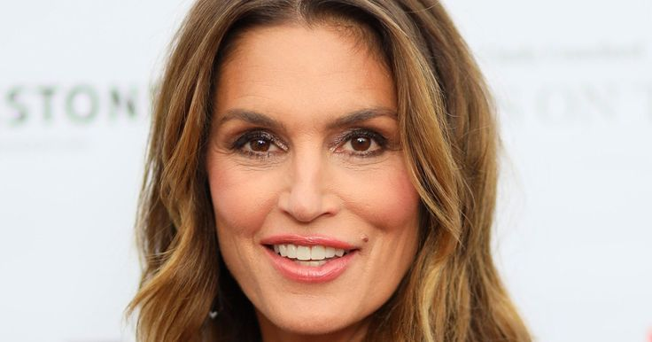 Cindy Crawford Hasn't Aged a Day in This Instagram Photo with Lookalike Daughter Kaia Gerber
