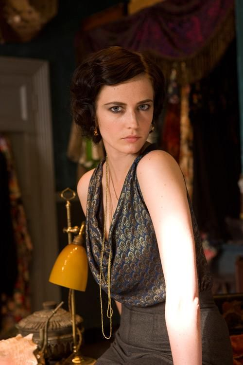 Eva-Green- as Miss G - Cracks 2009