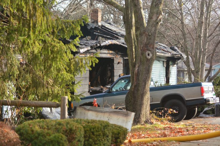 Body found at site of Willimantic house fire - Crews on Tuesday morning located the body of a man who had been unaccounted for after a fire destroyed a house Monday morning in Willimantic. Read more: http://www.norwichbulletin.com/article/20151201/news/151209988 #CT #Willimantic #Connecticut #Fire #Body