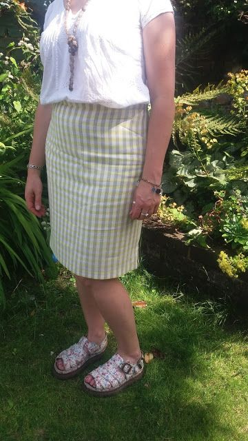 Easiest Skirt Ever. NewLook pattern