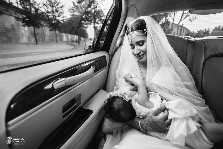 """""""Eres la manera que tiene el mundo de decirme que bonita es la vida"""" Uno de los bellos momentos Boda de Khadidjetou & Tomás. Javier Romero Fotografía www.javieromerodiaz.com #bodas #henna #montecastillobodas #hennaindonesia #india #argelia #fotografobodas #weddingmontecastillo #bodascadiz #bodasjerez #novias #noviasespaña #bodasespaña #fearlessphotographer #mywed #unionwep"""