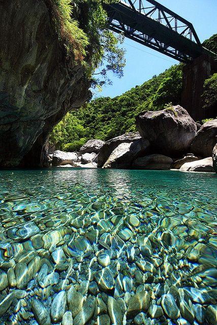 Crystal Clear, Taroko River, Taiwan   photo via leanne