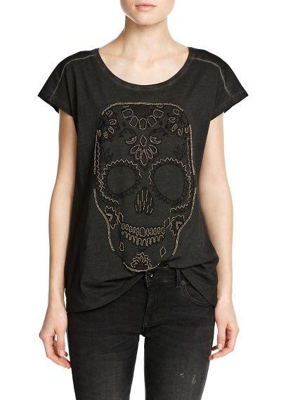 T-shirt met doodshoofd
