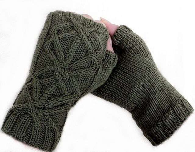 Ravelry: Mitaines Alisier pattern by Tricot KAL