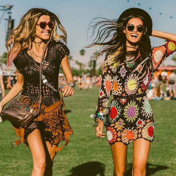 Martha Graeff e Gizele Oliveira no Coachella 2015.