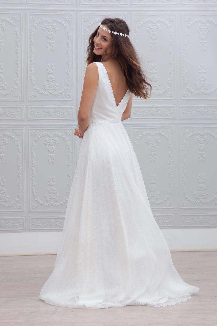 C'est déjà vendredi, chouette la fin de la semaine ! On parle robe de mariée aujourd'hui et je vous présenteMarie Laporte, une créatrice avec beaucoup de talent. J'aime particulièrement le côté frais et romantique de…